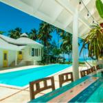 photo-samana-maison-piscine-cours-interieure