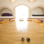 italie - salle de yoga- voyage de yoga meditation
