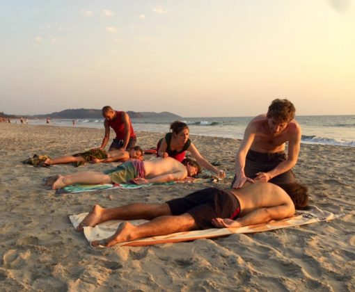 retraite_yoga_fevrier_2018_Inde_massage