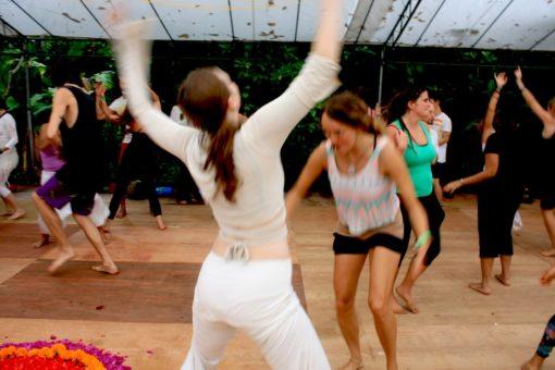 retraite_yoga_danse_groupe
