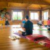retraite_meditation_debutant_morning_prayer_mountains_nepal
