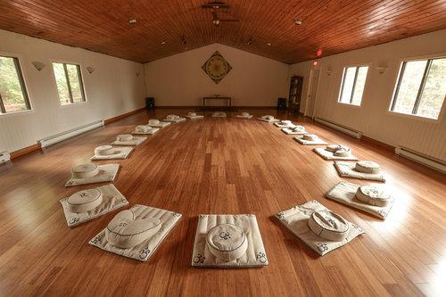 retraite_yoga_laurentides_novembre_2019_kio-o_grande_salle