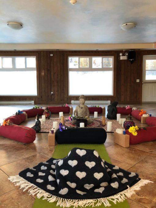 retraite_yoga_milles-illes_laurentides_juillet_2019_versant_salle_de_yoga
