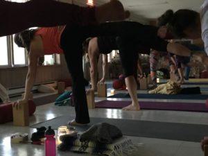retraite_yoga_novembre_2019_lac_beauport_demilune