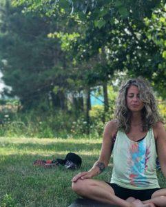 retraite_yoga_rougemont_septembre_2019_yoga_extérieur