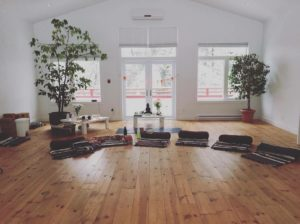 retraite_yoga_val-morin_mars_2020_couvent_salle_yoga