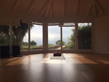 retraite_yoga_Carrapateira_algarve_portugal_juin_2020_petite_salle_de_yoga