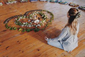 retraite_yoga_hawai_avril_2020_méditation