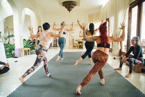 retraite_yoga_punta_mita_mai_2020_cours_groupe